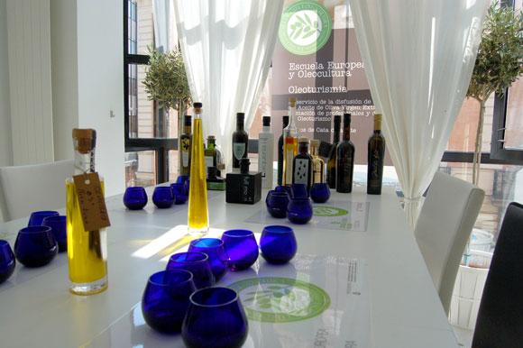 Apertura de las nuevas instalaciones de la Escuela Europea de Cata de Aceite y de Oleoturismia en Madrid
