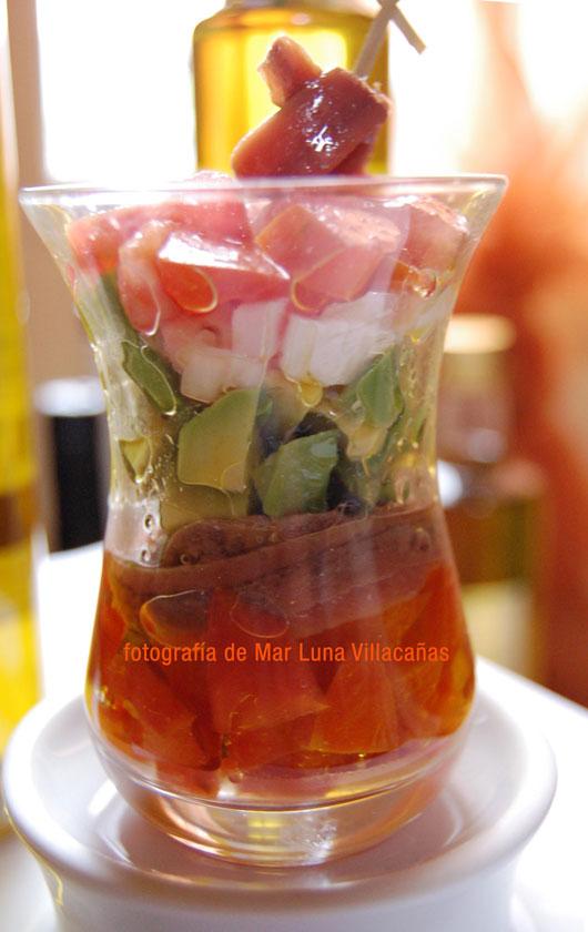 ensalada de aguacate y aceite de oliva virgen extra picudo
