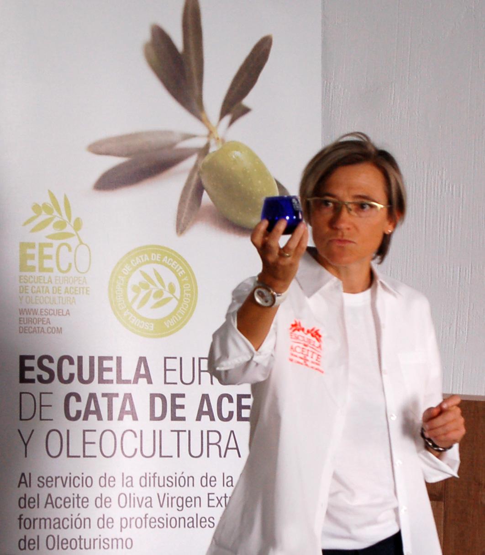 Cata-de-aceite-en-Illescas-con-Mar-Luna-Villacañas-y-la-EECO